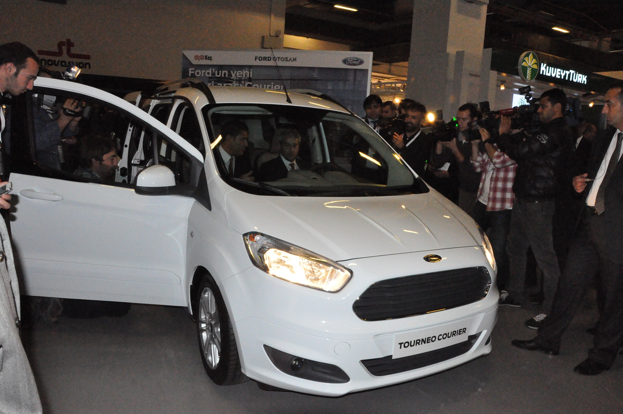 Ar-Ge Zirvesi Ford Courier